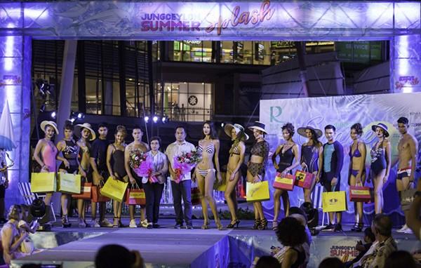 著名人气影星出席泰国Central集团举办的2019泳衣时尚周
