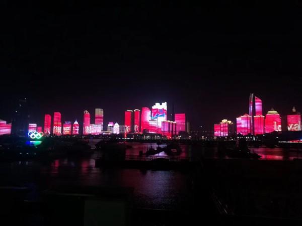 """看过来:海军节彩立方平台官网主题灯光秀——""""和风海上来""""!"""