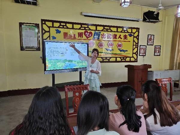 """""""助力教育信息化""""公益捐赠活动走进龙岭镇心良小学"""