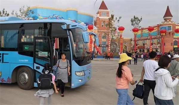 青海西宁:新华联旅游城旅游公交专线上线运营