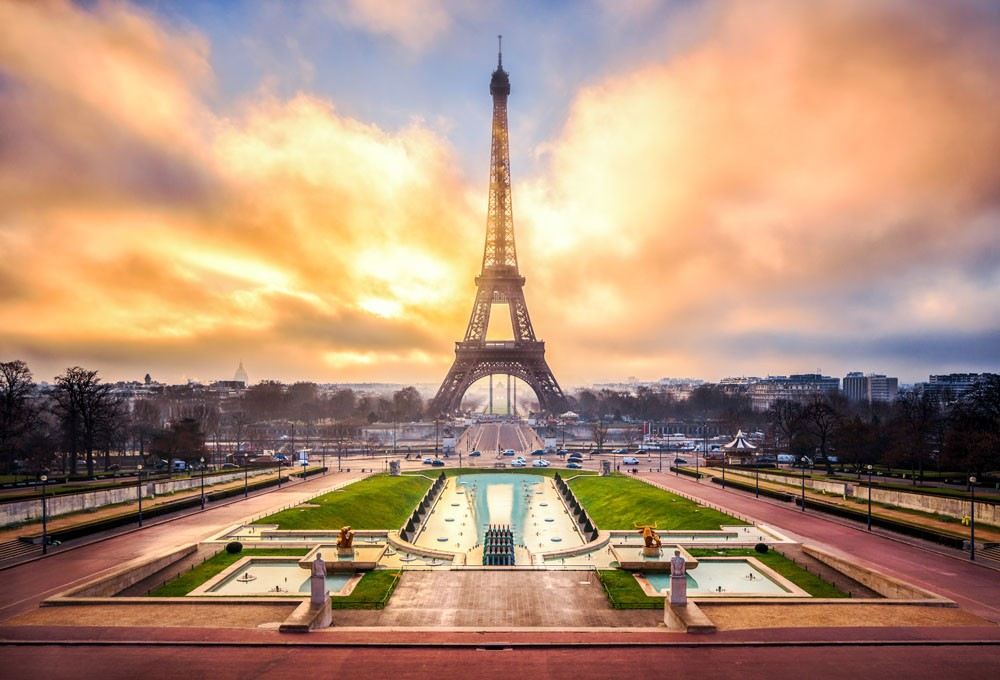 以巴黎著名地标为灵感 RELLECIGA俪丝娅发布全新RIKINI丽基尼