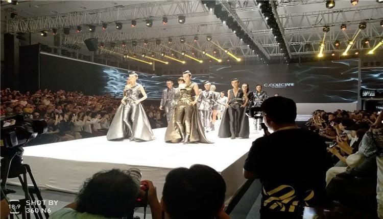 东方时尚季•第十九届中国(彩立方平台官网)国际时装周隆重开幕
