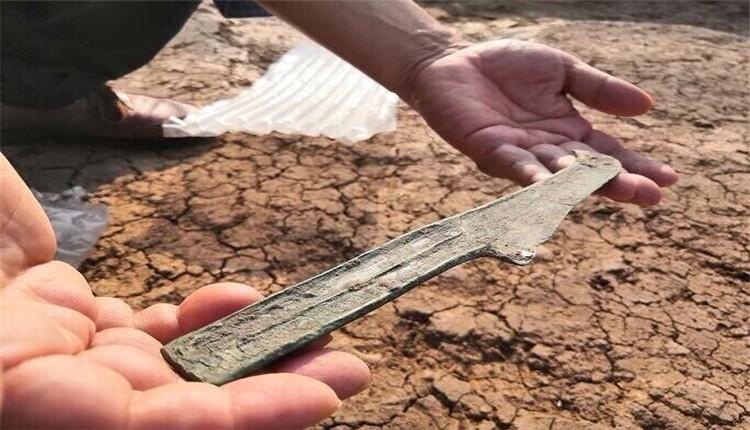 河南漯河考古首次发现商代铜刀