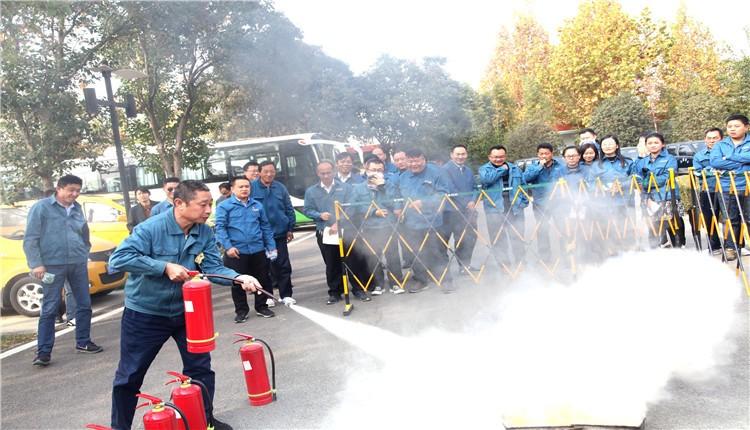 山东枣庄:山亭供电举办消防安全集中培训,现场模拟灭火演练