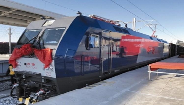格尔木至敦煌铁路全线开通运营 新藏运距缩短1100公里