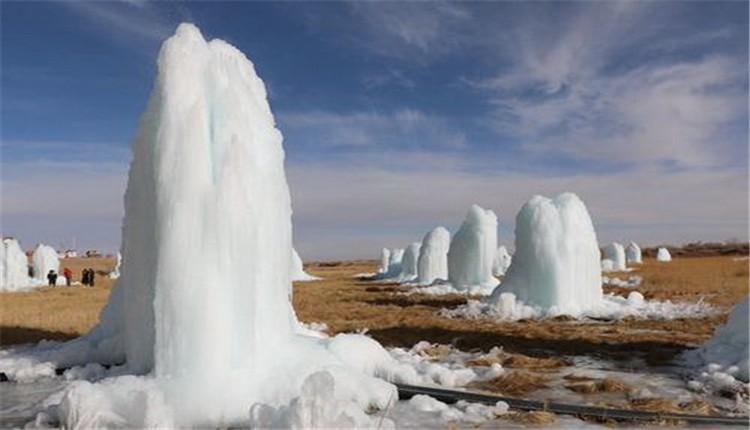 青海省格尔木市五子湖冰林带你体验别样的美
