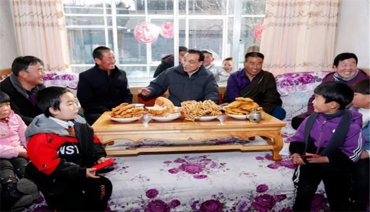 李克强在青海这个村祝福大家:稳稳当当走向富裕不再返贫