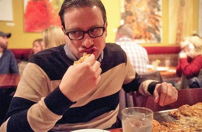 老外大叔25年每天吃披萨,吃喜爱的食物死亡也很幸福