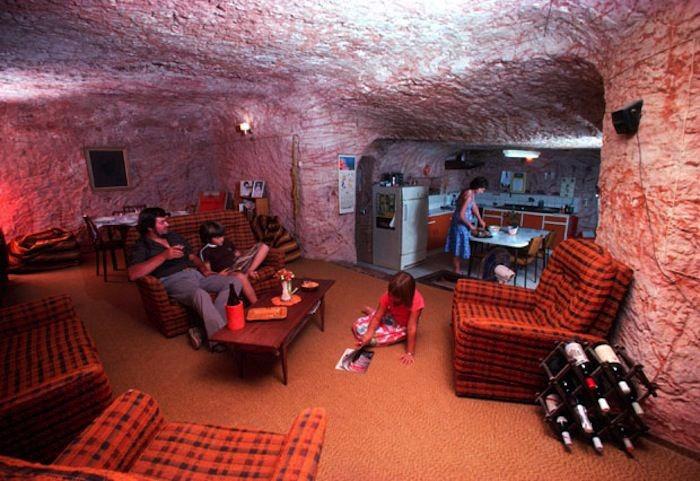 世界上唯一真实存在的地下城,澳大利亚居住在地下的小镇