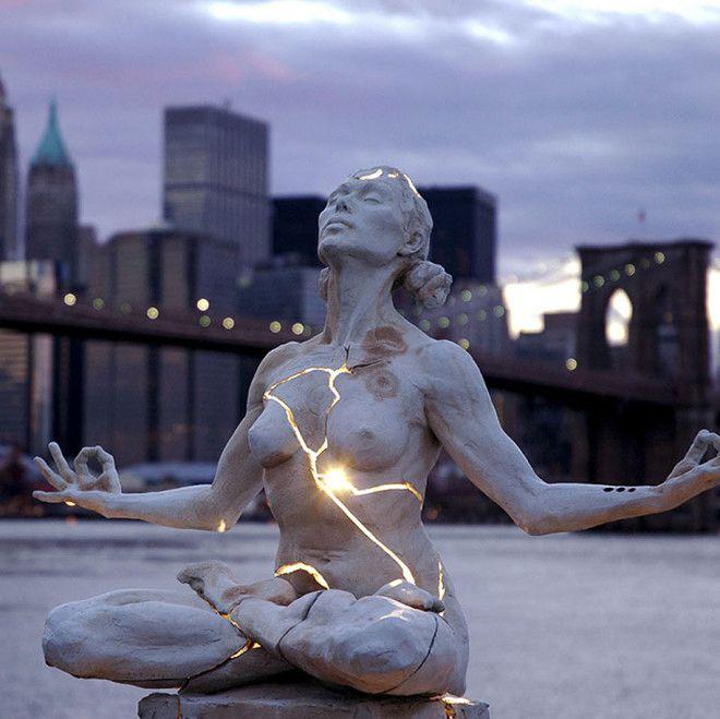 17个形态怪异的雕塑--置顶表情