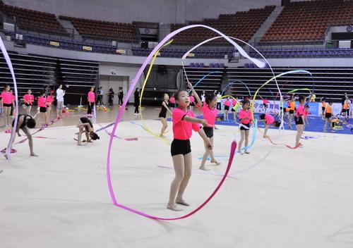 """2019年""""中国体育彩票""""全国青少年艺术体操夏令营 顺利开营"""