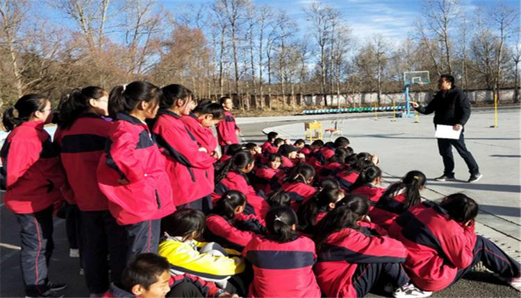 城乡互动 优质均衡 ——西宁二中教育集团对申中乡中心学校初三体育中考进行模拟考试